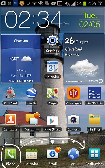 "Hello...and how do I change position of icons in homescreen tray ""below the line"" in ICS-screenshot_2013-02-05-14-34-20.jpg"