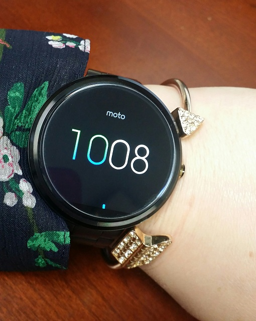 Santa Phil Day 4: Win a (as in 1) ASUS ZenWatch-20141218_100831-01.jpg
