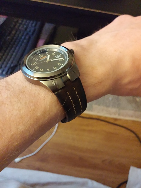 Santa Phil Day 4: Win a (as in 1) ASUS ZenWatch-2014-12-18-13.20.03.jpg