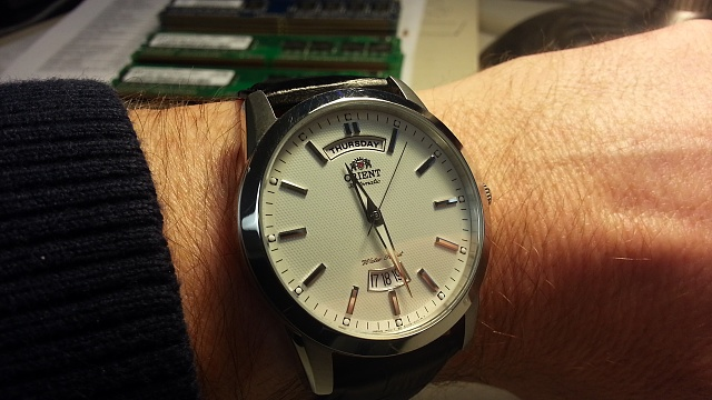 Santa Phil Day 4: Win a (as in 1) ASUS ZenWatch-20141218_112735-1-.jpg