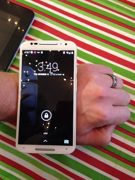Santa Phil Day 4: Win a (as in 1) ASUS ZenWatch-2014-12-18.jpg