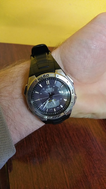 Santa Phil Day 4: Win a (as in 1) ASUS ZenWatch-20141218_173740.jpg