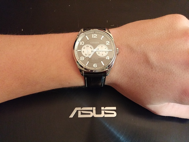Santa Phil Day 4: Win a (as in 1) ASUS ZenWatch-20141218_191542.jpg