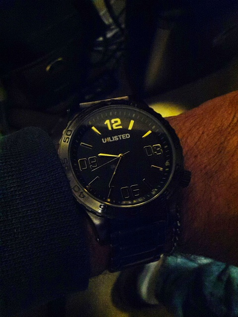 Santa Phil Day 4: Win a (as in 1) ASUS ZenWatch-img_20141218_213717_2.jpg