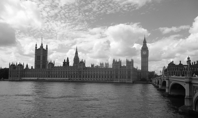 Weekly photo contest -- black and white-big-ben-london.png