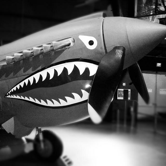 Weekly photo contest -- black and white-img_20120728_214015.jpg