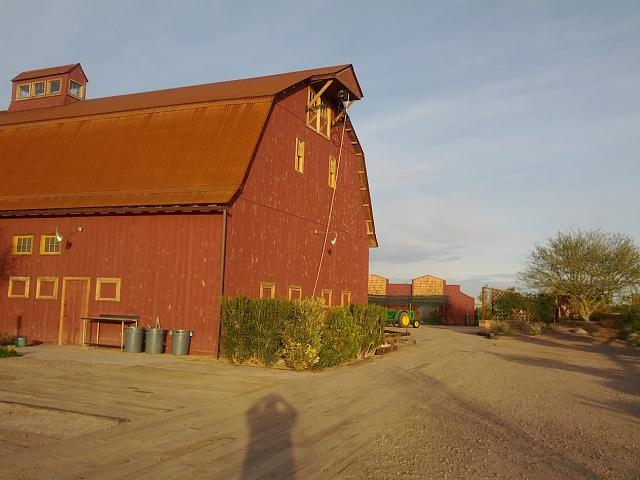 Weekly photo contest -- color-sedona-barn.jpg