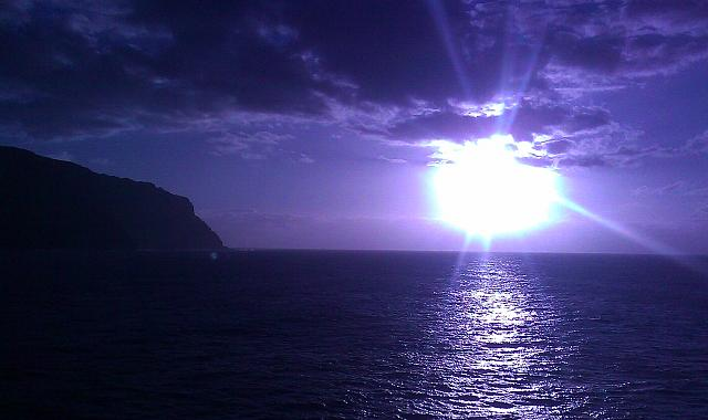 Weekly photo contest -- Purple Haze (lens flare)-imag0815.jpg