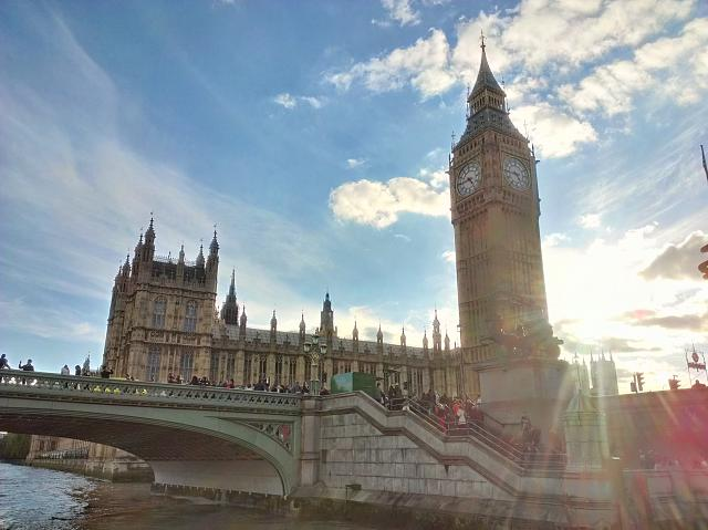 Weekly photo contest -- Purple Haze (lens flare)-big-ben-lens-flare.jpg