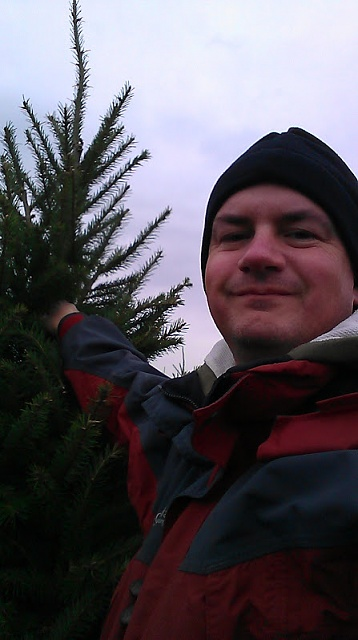 Nexus 7 a day giveaway -- Dec. 17-me_and_tree.jpg