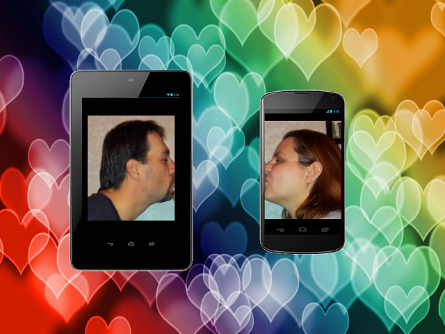 Valentine's Day Contest: Nexus 4 and Nexus 7 giveaways!-droidkisss.png