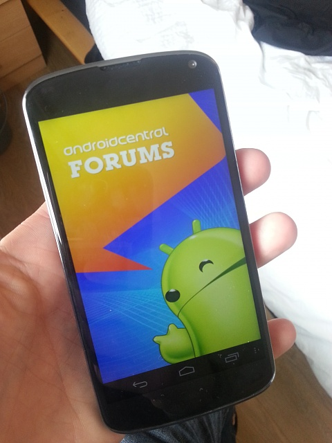 Win a Nexus 4 charging orb from Android Central-n4_ac.jpg
