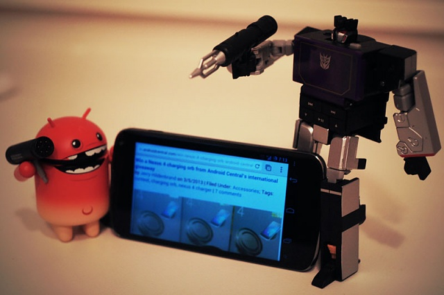 Win a Nexus 4 charging orb from Android Central-nexus4.jpg