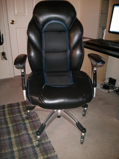 Any Gamers Out There...Need Help Identifying This Chair, Name-img_20130116_043810.jpg