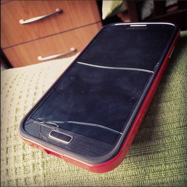 I dropped my Galaxy S4 in the Pool - Cracling Noise from the Speakers?-l.png