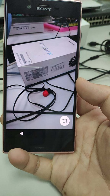 Andorid phone ( sony ) been lock and need QR code to do next in first initial screen-img_20181023_125336.jpg