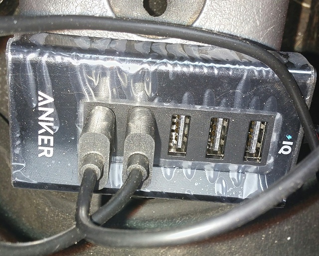 Anker 50W/10A 5-Port USB Car Charger PowerDrive 5 review-20160423_163933-1.jpg