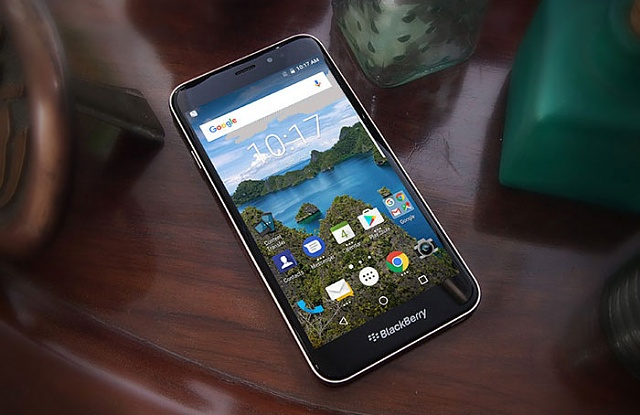 BlackBerry Aurora official product page has gone live-lifestyle1x.jpg