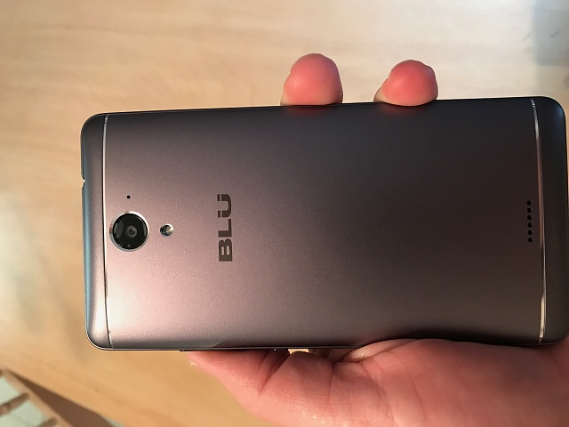 BLU R1 PLUS - Release and Review-img_3020.jpg