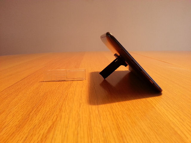kickstand4u mobile kickstand with sure grip - Kickstarter Project-galaxy-tab-7-landscp-640.jpg