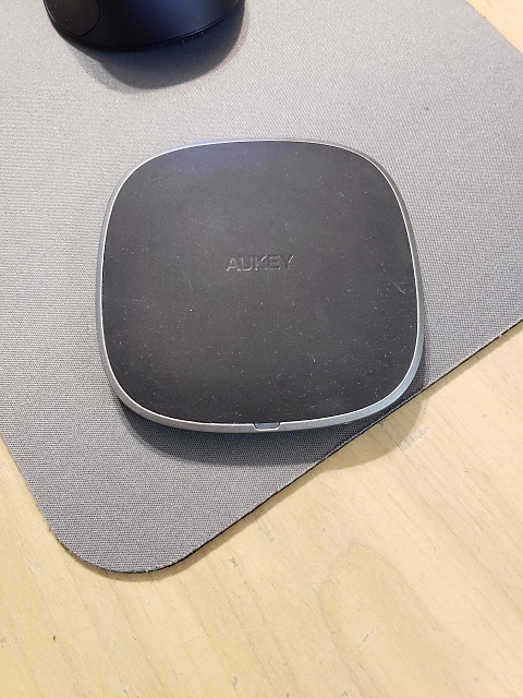 [REVIEW] AUKEY Graphite Wireless Charger-20180806_212610-1-.jpg