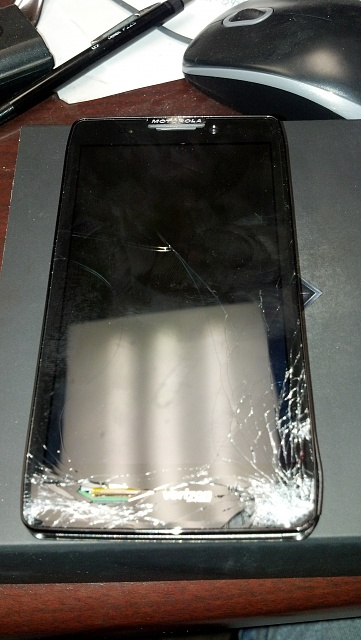 Didn't last long, RAZR HD MAXX destruction-2012-12-14_08-35-02_706.jpg