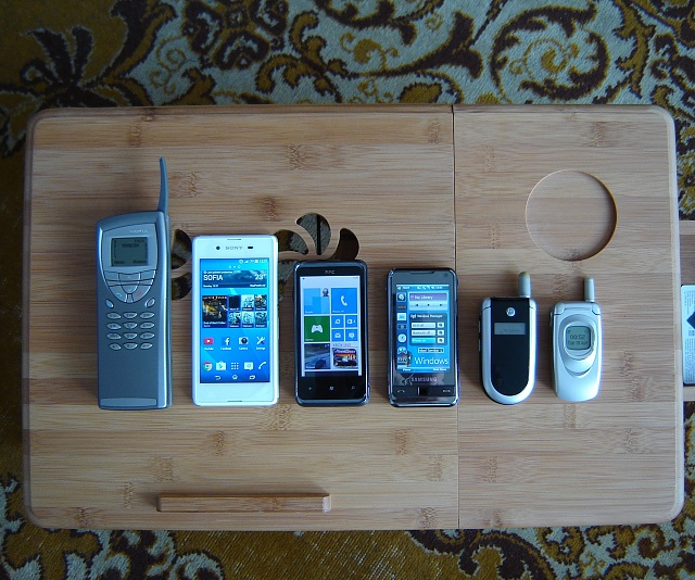 My cell phone collection-dsc01084.jpg
