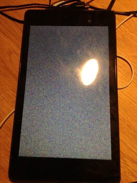 Nexus 7 frozen and cannot power off - Stuck on a colorful pixel screen-nexus.jpg