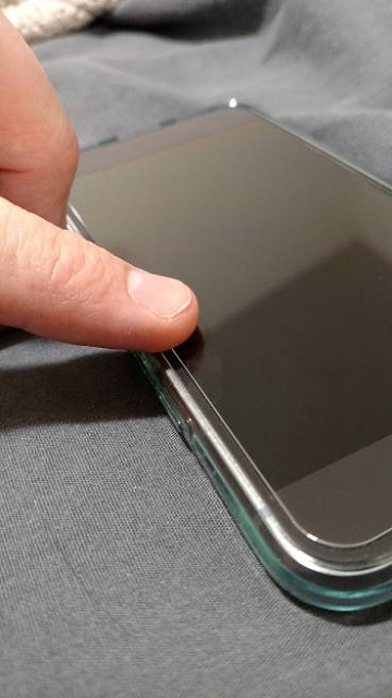 Pixel curved screen and tempered glass problem-1813.jpg