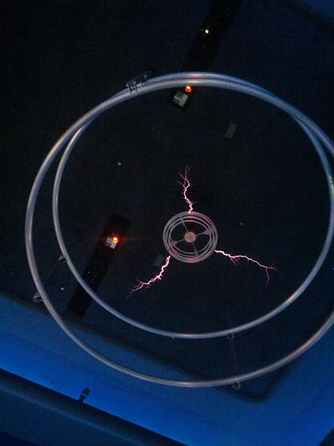 gnex and jb 4.2-tesla-coil-smaller.jpg