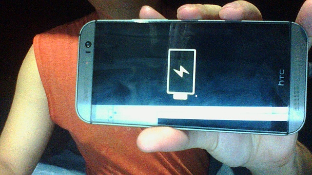 how to fix htc one com.android.phone
