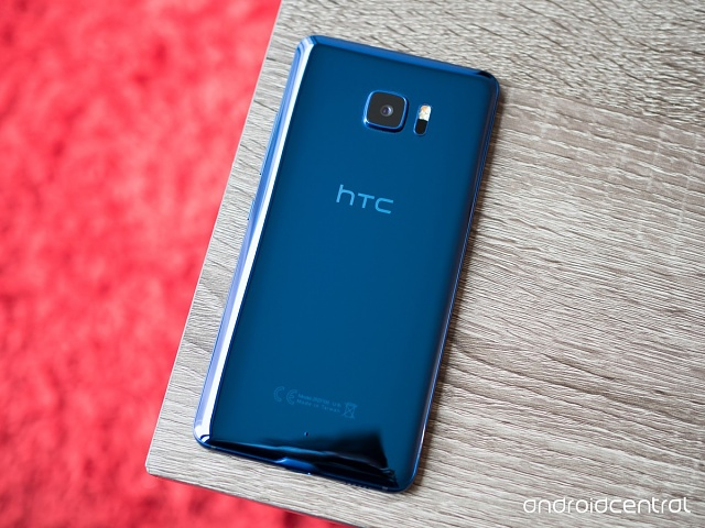 [OPINION] The HTC U11 is a very solid and beautiful device, but it won't help much for sales, sadly-htc-u-ultra-blue-back-full.jpg