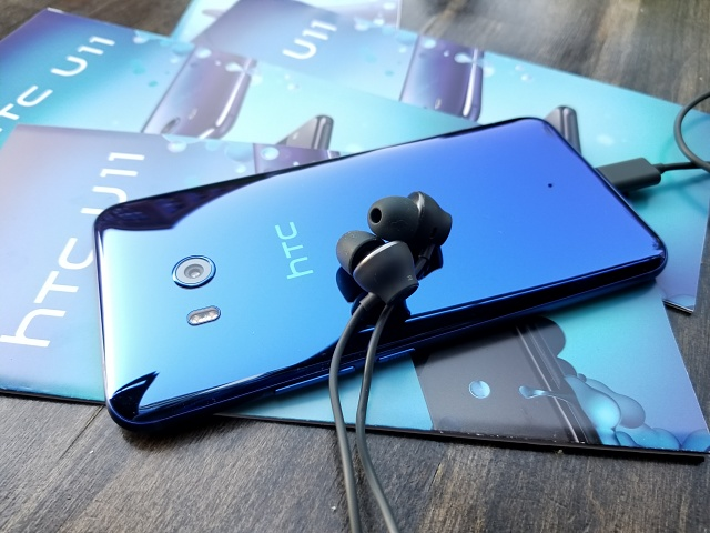 HTC U11 First Look and Chat with HTC Elevate Lead Aaron Baker-blue.jpg