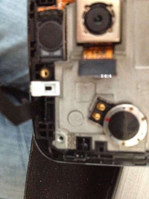 LG G2: Hole on top of phone?-img_0005.jpg