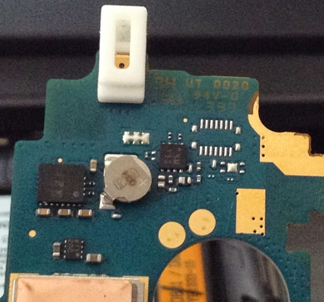 LG G2: Hole on top of phone?-img_0009.jpg