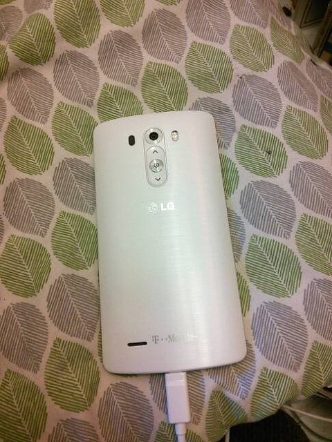 LG G3 t-mobile selling in stores-img_20140711_131056.jpg