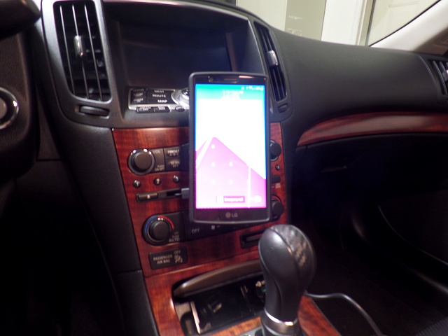 Recommendation Needed for a Car Mount-sam_2404.jpg