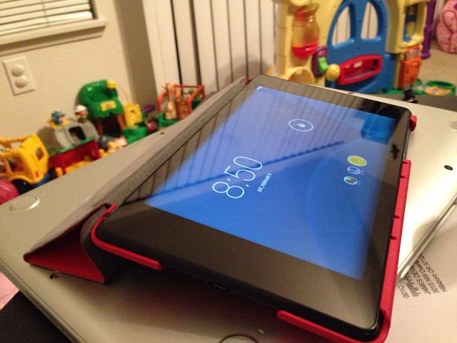 Nexus 7 (2013) 32 GB and case-nexus8.jpg