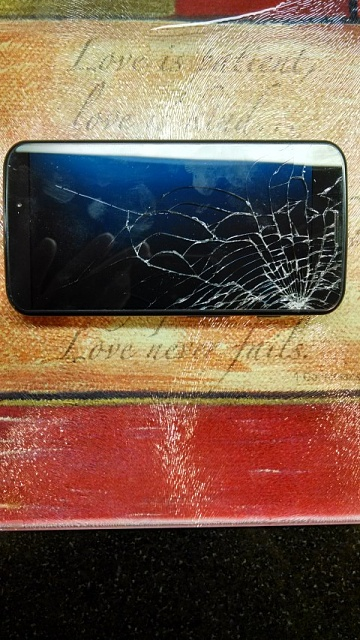 Verizon Moto X 16gb - Shattered Screen - 0 obo-motox1.jpg