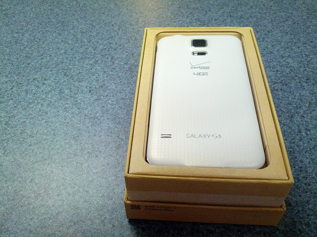 Brand New White Verizon Samsung Galaxy S 5-img_20140510_022156.jpg