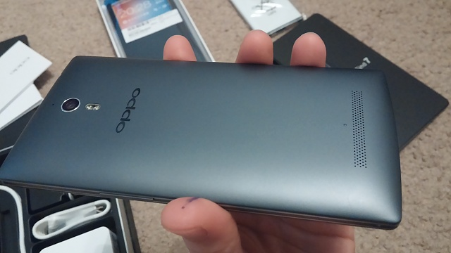 Mint Condition Oppo Find 7a Midnight with original accessories and Pre-order goodies-20140511_203740.jpg