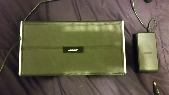 Bose Soundlink II Bluetooth Speaker (like new)-20140601_215431.jpg