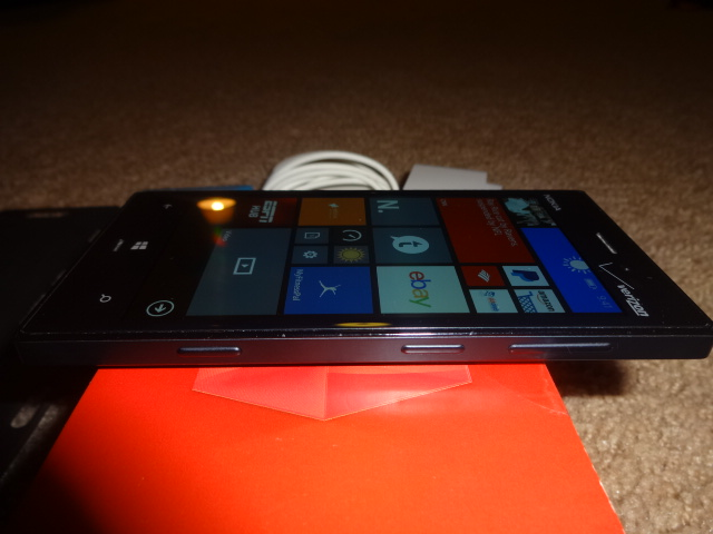 Verizon black nokia 928 with nokia wireless charging pad and cases-dsc01148.jpg