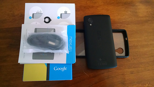Nexus 5 32GB Great Condition! w/case and original box, etc. AT&T T-Mobile Sprint-15484935816_5a0480af48.jpg