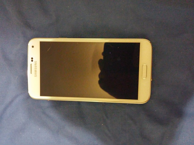Mint! Samsung Galaxy S5 White Verizon with lots of extras!-1029140005.jpg