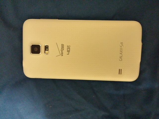 Mint! Samsung Galaxy S5 White Verizon with lots of extras!-1029140005a.jpg