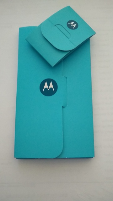 Moto X 2013 Unlocked - Lollipop with Factory Warranty - case, box, and unused accessories-2015-03-19-08.11.40.jpg