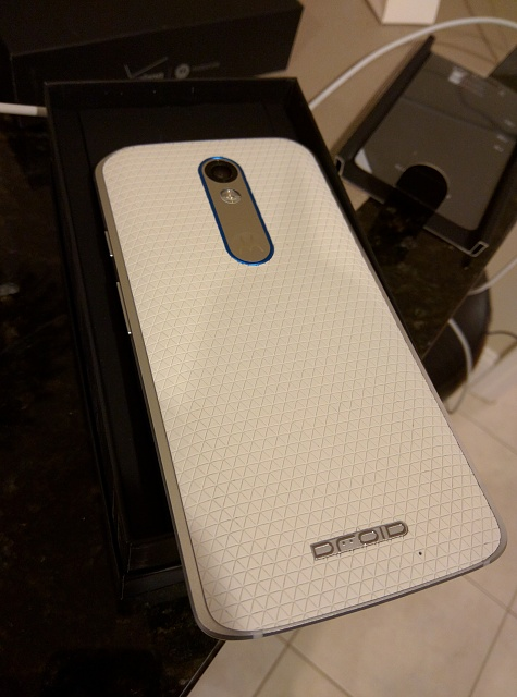 Mint Condition - Verizon Droid Turbo 2 32GB - White with Blue Accents - With Extras!-img_20160204_191029.jpg