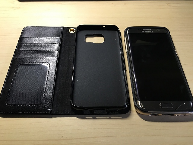 Samsung Galaxy S7 Edge-32GB-AT&T-Gold Version-Plus Many Extras-Cracked Screen but fully functional-image1-2.jpg