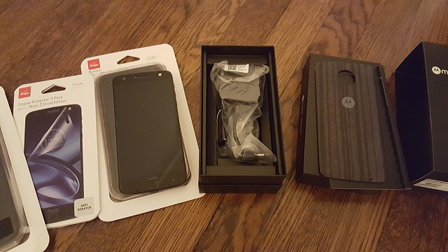 New Verizon Moto Z Droid Edition with 2 cases and Screen Protectors - 0 or best offer!-moto-z1.jpg